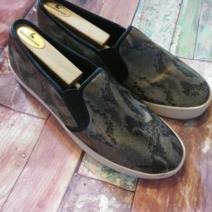 Report N Snakeprint Boat Shoes Size 10